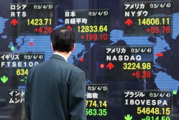 Asia stocks slide as Deutsche sours mood, oil pulls back