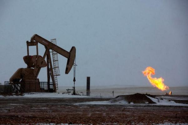 Oil slumps 4 pct as no output deal expected for OPEC