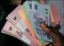 Naira weakens against dollar despite CBN's increased 33% forex offer