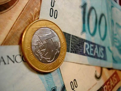 Brazil raises rate to 9% as real undercuts inflation fight