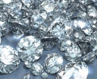 Man caught with 1,000 diamonds in shoes