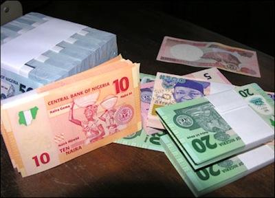 Naira eases against dollar despite CBN's intervention
