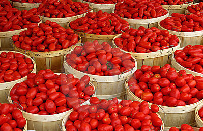 baskets-tomatoes