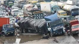 Apapa gridlock: Senate tasks SON, FRSC on minimum standards for articulated vehicles