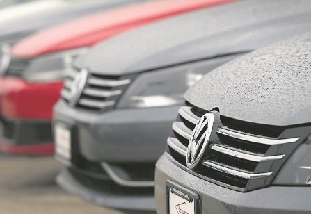 VW recalls 136,000 cars over braking flaw
