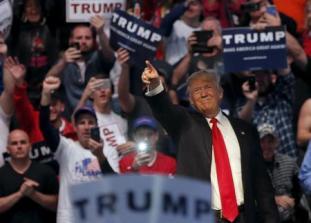 Trump breaks taboos, attacks Clinton on gender issue