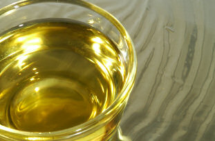 Many brands of vegetable oil, but not all are heart-friendly