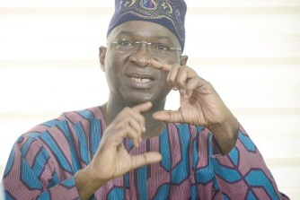 $2.5bn solar power purchase agreement to commence, Fashola meets investors