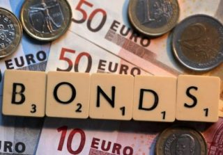 Nigeria offers bond-investors highest yield in almost 2 years