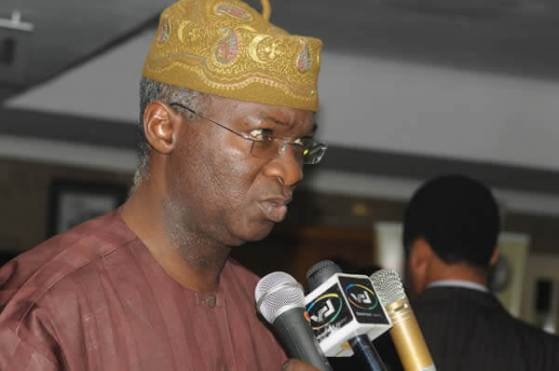 Fashola calls for sanction against unethical practice in building industry