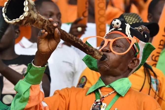 Senegal reach Nations Cup quarters, Algeria on the brink