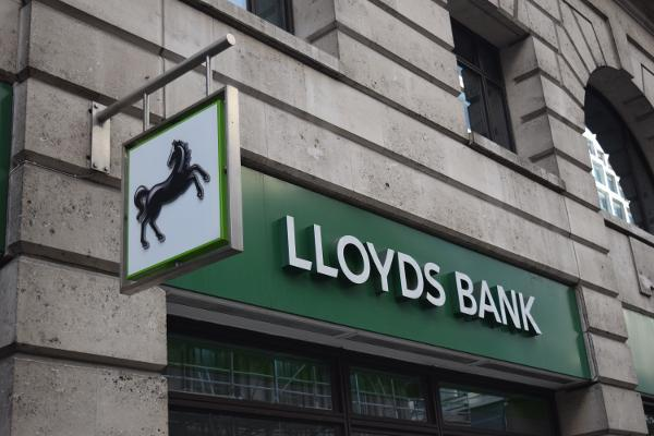 Cyber assault by international gang blocked Lloyds web service for 2 days