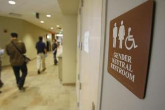 Trump rescinds Obama-era school bathroom directives