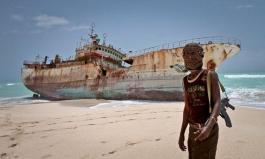 Somali pirates take over Somali vessel to use as mothership - police