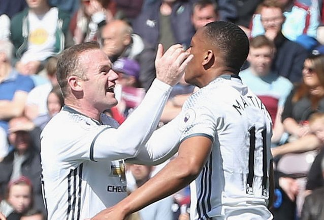 Man Utd beat Burnley 2-0 to keep top-four hope alive