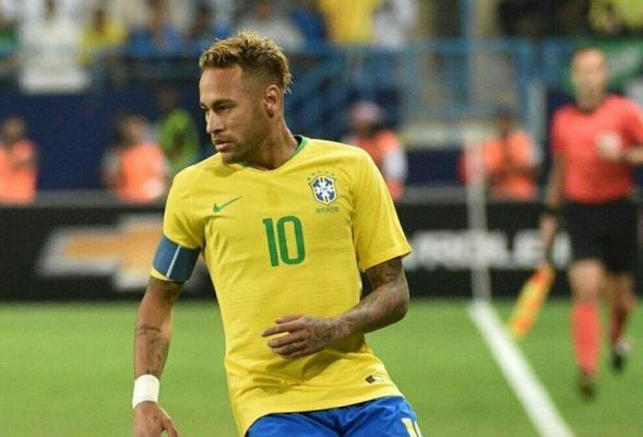 FC Barcelona say not considering swoop for Neymar