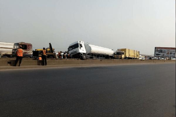 5000 trucks seek access to Lagos ports daily
