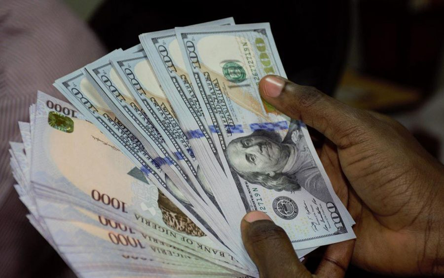 Naira closes at N435 to dollar at parallel market
