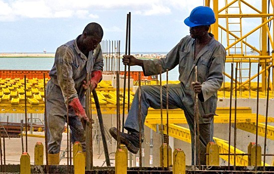 Credit Report Companies >> Nigerian least paid worker needs N41,327 to maintain 2011's purchasing power - Businessday NG