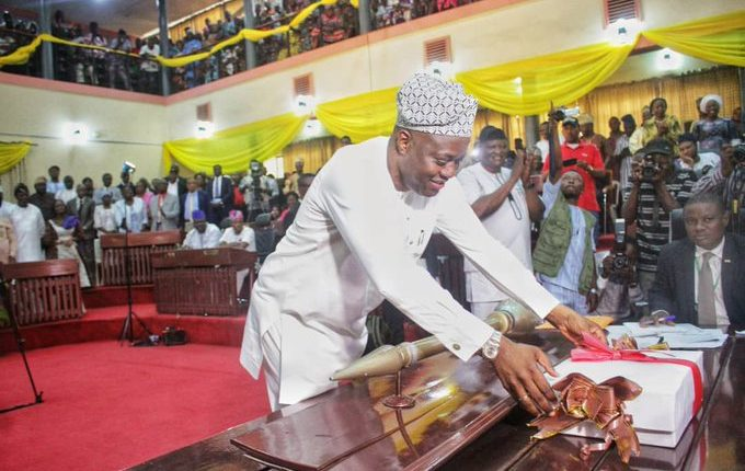 Makinde presents first budget of N208bn to Oyo Assembly