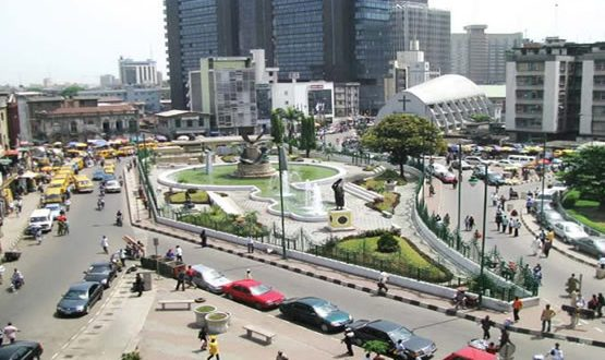 Lagos begins dislodgment of illegal squatters from Ikoyi, V/Island
