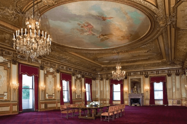 The Metropolitan Club – If you think you are surrounded by idiots (Concluded)