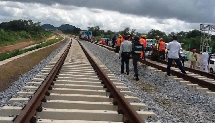 Govt shuts down critical roads for Lagos-Ibadan railway project