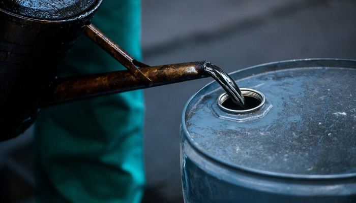 Oil surges above $30 amid cautious easing of lockdowns