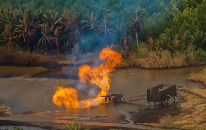 Fire rages at Ondo state oil field two days after explosion
